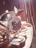 Kurenda zobaczył dla manufaktury drewniany zdjęcia stock
