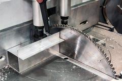 Kurenda zobaczył dla tnącego aluminium fotografia royalty free