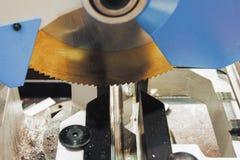 Kurenda zobaczył dla tnącego aluminium zdjęcie stock