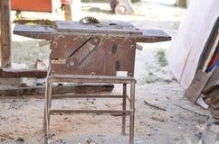 Kurenda zobaczył dla tnącego drewna zdjęcie royalty free