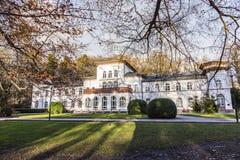 Kurhaus z scenicznym parkiem w Złym Soden Zdjęcie Royalty Free