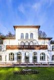 Kurhaus z scenicznym parkiem w Złym Soden Fotografia Royalty Free