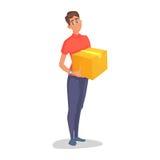 Kurier-Zustelldienste des jungen Mannes des Haltens eines großen Kastens und der Platte mit einem Shuttleblatt lokalisiert auf We Lizenzfreie Stockfotos