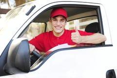 kuriera samochód dostawczy doręczeniowy pocztowy Fotografia Stock