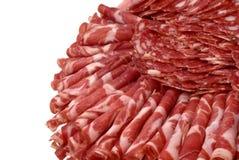 Kuriertes Fleisch auf feierlicher Tabelle Lizenzfreie Stockfotos
