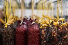 Kuriertes Fleisch und Würste Stockbilder