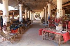 Kuriositeten shoppar i Myanmar Arkivfoton