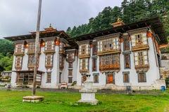 Kurjey Lhakhang: De Tempel van Afdrukken in Bumthang-vallei, Bhutan royalty-vrije stock afbeelding