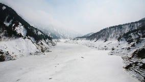 Kurobe高山在冬天在馆山 库存图片