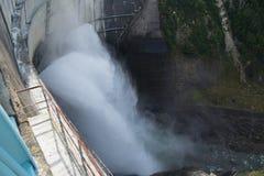 从Kurobe水坝的看法 免版税库存照片