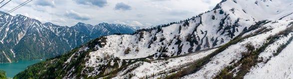 Kurobe-Schneegebirgszug Stockfotos