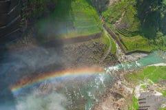 Kurobe-Verdammung mit Regenbogen lizenzfreies stockbild