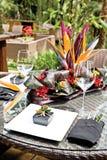 kurortu ustawiania stylu stół tropikalny Fotografia Royalty Free