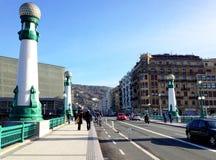 Kursaal桥梁在圣塞瓦斯蒂安,西班牙 免版税库存照片