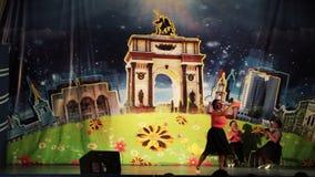Kursk, Rússia - 24 de abril de 2017: o palácio dos pioneiros, dos professores do discurso e de jardins de infância dos terapeutas vídeos de arquivo