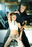Kursleiter in der Gymnastik stockfotografie