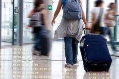 Kursteilnehmer am Flughafen lizenzfreies stockbild