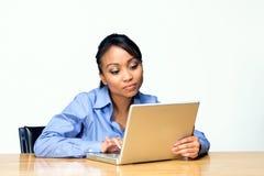 Kursteilnehmer an Laptop-Horizontalem Stockfotos