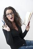 Kursteilnehmermädchen in der Panik, erlernend Lizenzfreies Stockfoto