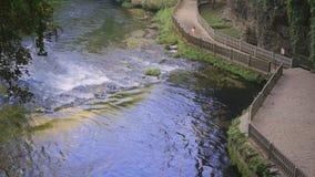 Kursunlu瀑布的河在安塔利亚土耳其 股票视频