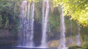 Kursunlu vattenfall i Antalya Turkiet lager videofilmer