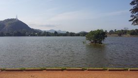 Kurunegala湖在斯里兰卡 免版税库存照片