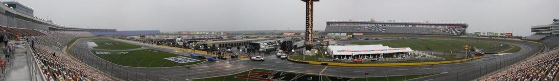 Kurve eine Panarama der Charlotte-Bewegungsspeedway-NASCAR lizenzfreie stockfotografie