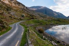 Kurvenreiche Straße Gap von Dunloe gestalten landschaftlich Stockfoto