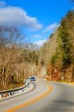 Kurvenreiche Straße in Kentucky Stockbilder