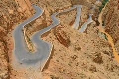 Kurvenreiche Straße, Marokko Lizenzfreie Stockfotos