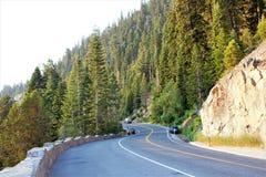Kurvenreiche Straße zu Emerald Bay stockbilder