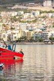 KUSADASI, συνεδρίαση ψαράδων TURKEYdecember 2014 στη βάρκα του με στοκ φωτογραφίες με δικαίωμα ελεύθερης χρήσης