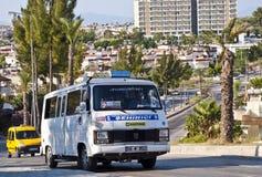 Kusadasi minibuss - dolmus Arkivbilder