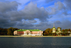 Kuskovo公园在莫斯科 一般全景 免版税库存图片