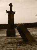kusliga gravestones halloween royaltyfri bild