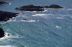 Kust av den gröna ön Irland Royaltyfri Fotografi