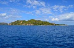 Kust av Fiji, Mamanucas ö grupp Royaltyfria Bilder