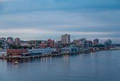 Kust av Halifax på skymning Royaltyfria Bilder