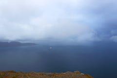 Kust av havet norr fjord norway Arkivbilder