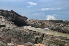 Kust av Indiska oceanen i Sri Lanka Arkivfoto