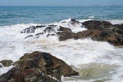 Kust av Indiska oceanen i Sri Lanka Arkivfoton