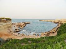 Kust av medelhavet (Cypern) royaltyfri foto