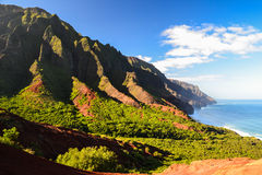 Kust för Na Pali nära den Kalalau stranden - Kauai, Hawaii Royaltyfri Bild
