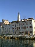Kust gebouwen in Rovinj, Kroatië. royalty-vrije stock foto's