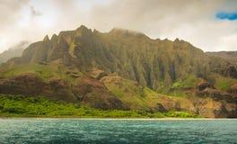 Kust Hawaii för Na Pali Royaltyfria Foton