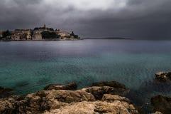 kust- kroatisk town Royaltyfri Bild