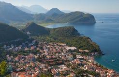Kust- landskap för Adriatiskt hav. Petrovac Royaltyfria Foton