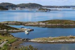 Kust- landskap i västra Norge, nära Boknafjorden Royaltyfria Bilder