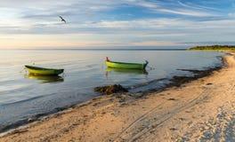 Kust- landskap med fiskebåtar, Östersjön, Europa Arkivfoto