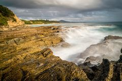 Kust in Nambucca-Hoofden in Nieuw Zuid-Wales, Australië, lang blootstellingsschot royalty-vrije stock foto